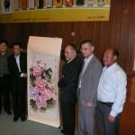 吳炳鋕會長等致送紀念予中國宗教事務局蔣堅永副局長