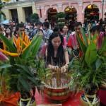 大批市民和旅客上香祈福