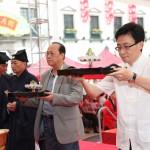 集美集團梁廣祺先生、香港青松觀葉長青副主席虔誠上供
